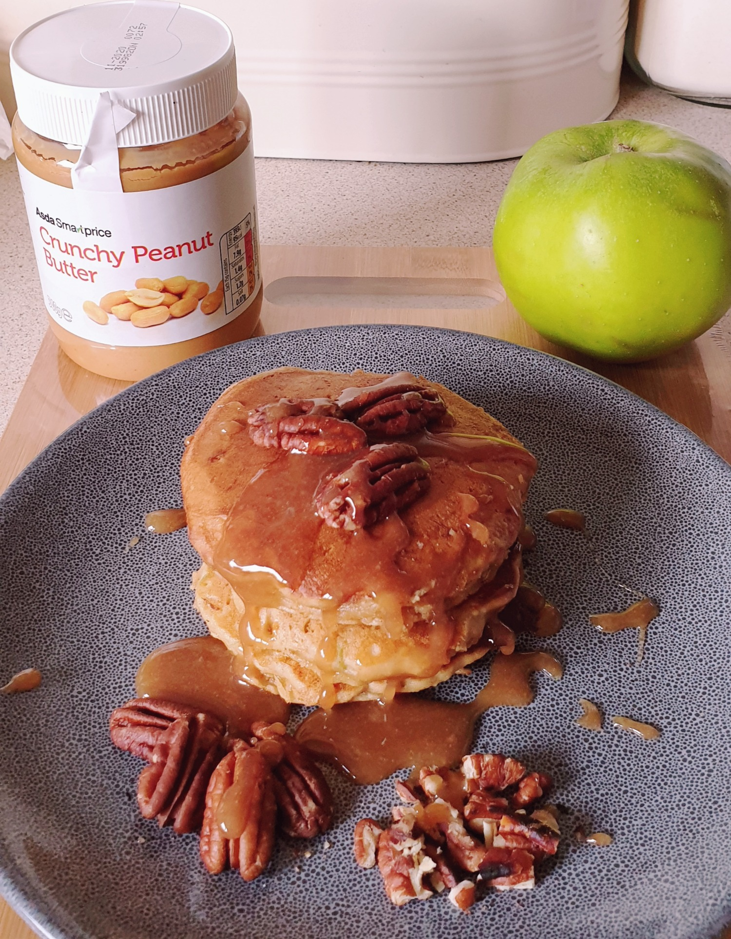 Apple and Peanut butter Pancakes